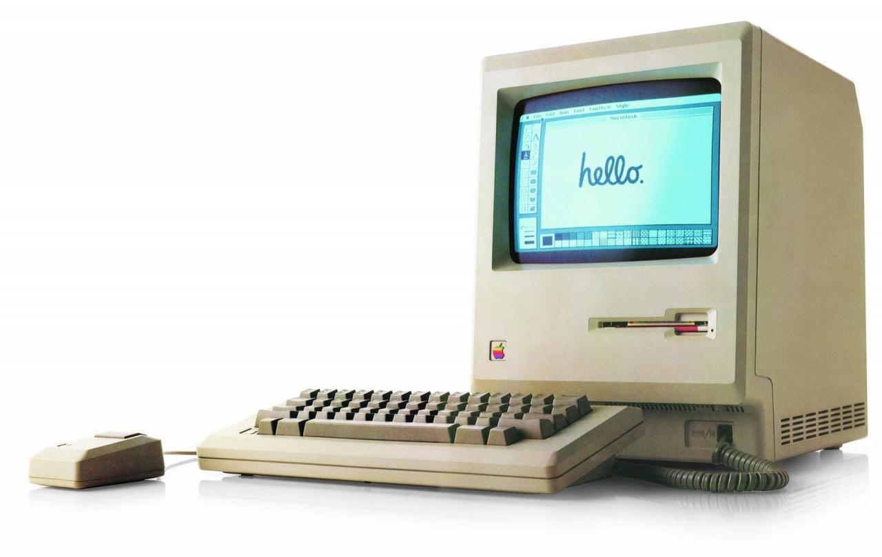 24 Ocak 1984: İlk Apple Macintosh 128K bilgisayar.